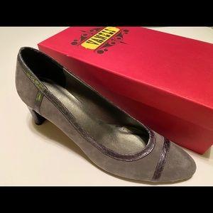 Vaneli shoes 8.5 S New